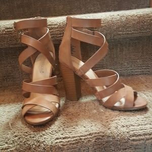 Shoedazzle Tan Carolyn Caged Block Heel Size 5.5